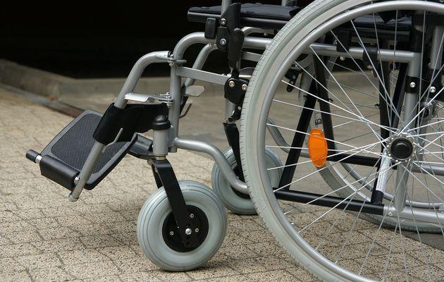 La Junta de Andalucía elimina un programa para atender a personas con discapacidad en fin de semana y festivos