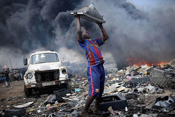 E-Waste Dump, Accra, Ghana 2011 Kai Löffelbein