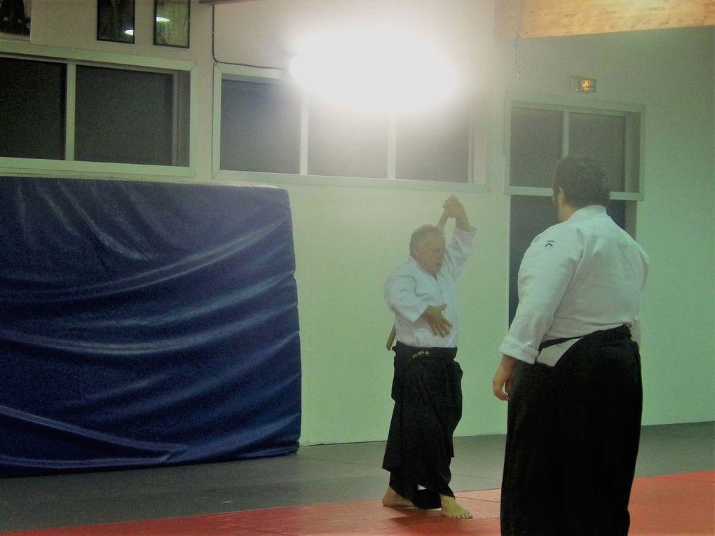 Aïkido. Art Martial d'origine japonaise - développer la connaissance du mouvement.