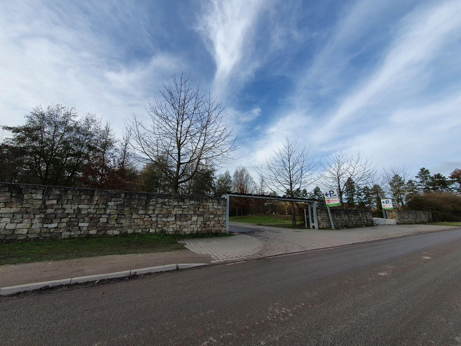 L'entrée du parking du parc Mosaïc