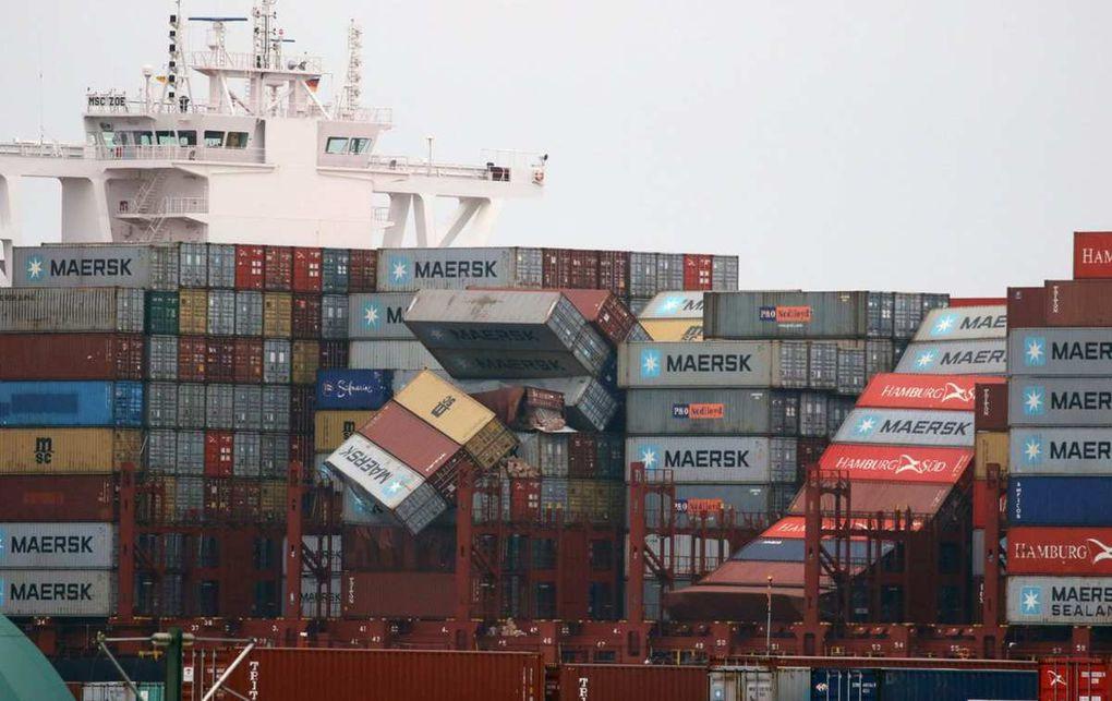 Un cargo perd 270 conteneurs en mer du Nord, dont 4 contenant un produit potentiellement dangereux