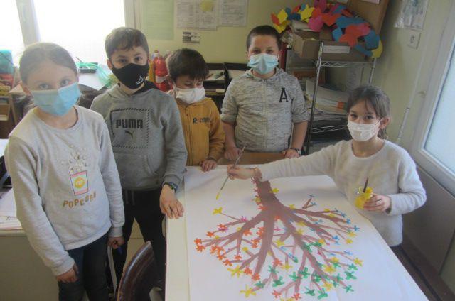 100 en Arts visuels avec les élèves de CE2