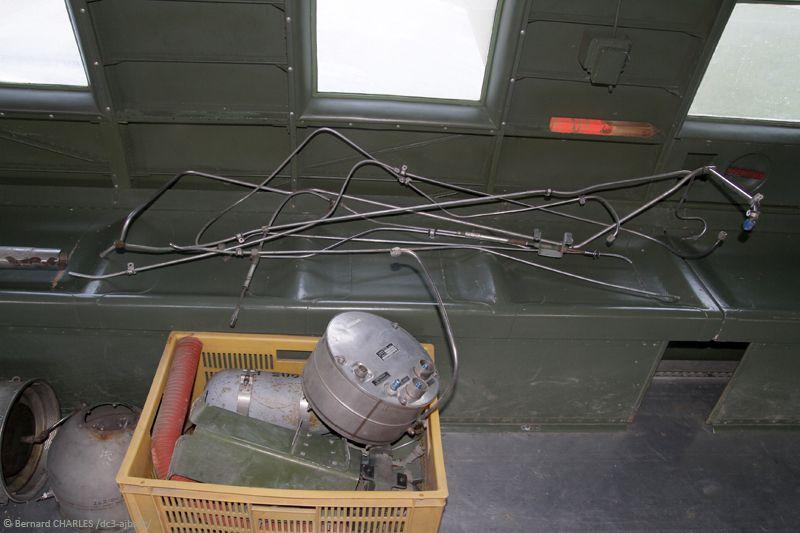 Démontage de l'ensemble de chauffage Janitrol pour remise en état de la cloison.