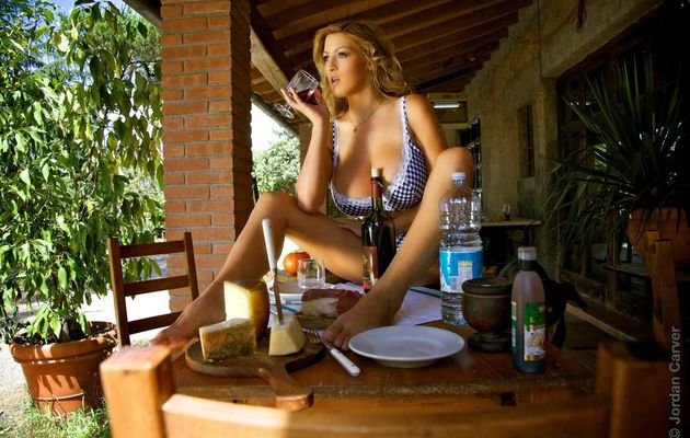 Fill Your Life Full of Love This Year with Mumbai Escorts