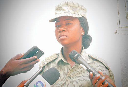Elsídia Filipe,  portavoz del comando provincial de la policía en Manica, Angola.- El Muni.