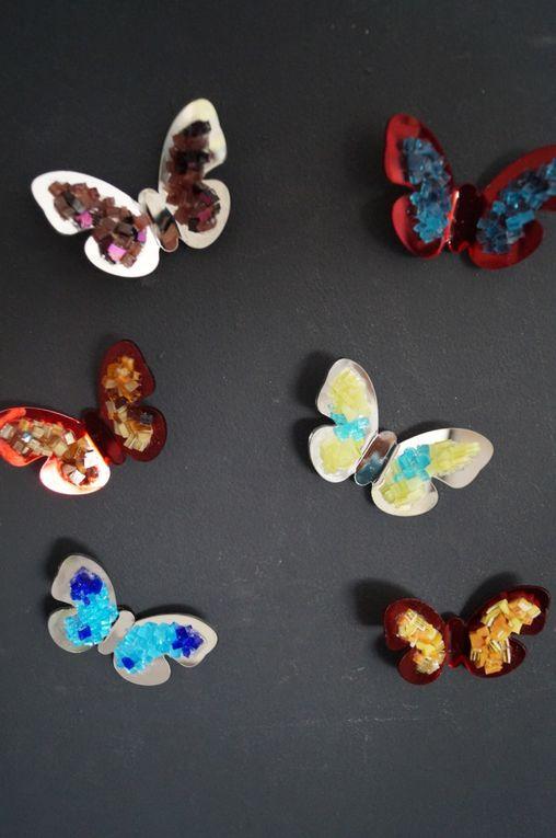 Aimants décoratifs - magnets frigo - coeurs et papillons en mosaïque