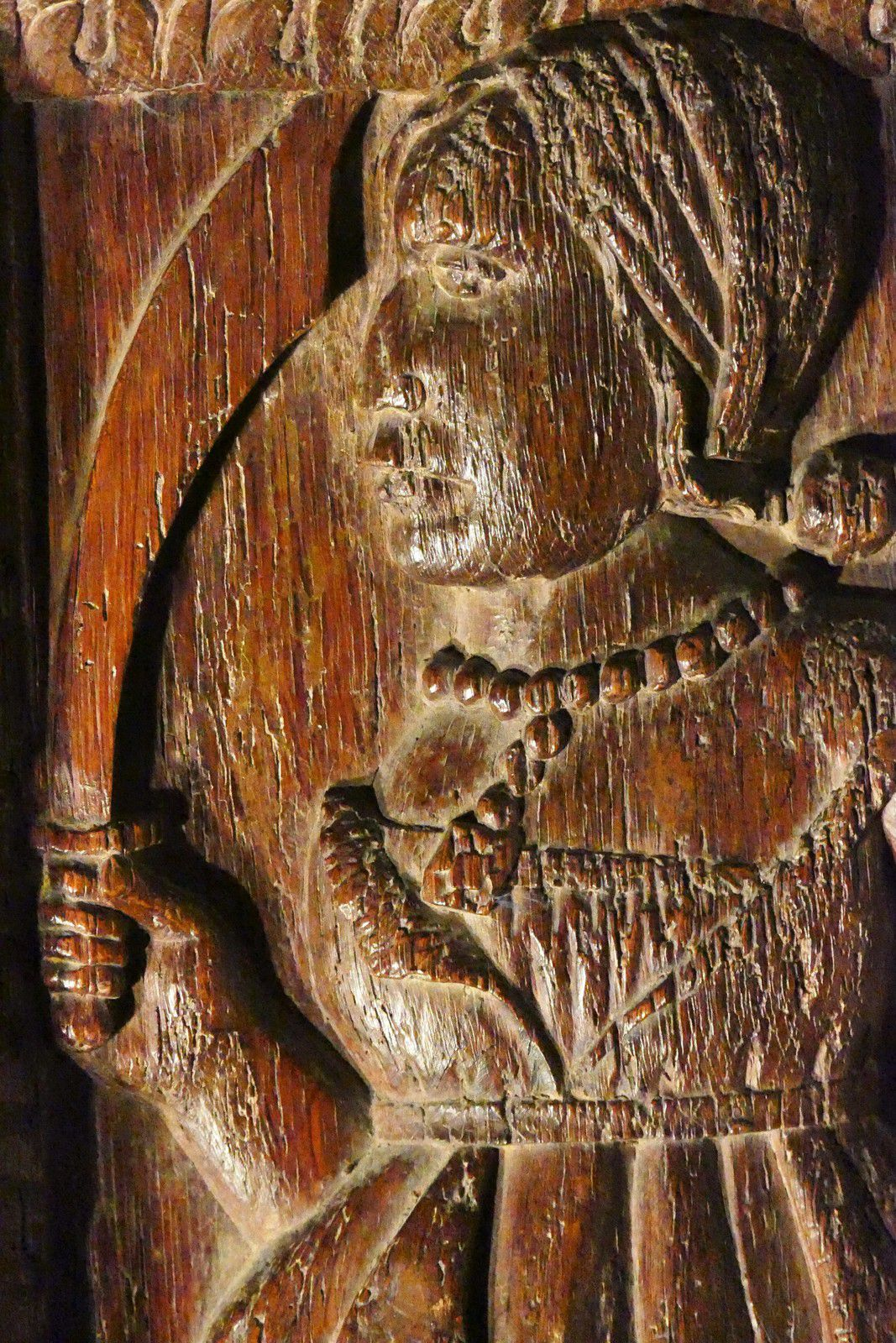 Jouée sud-est des stalles (vers 1518-1525) de l'église Notre-Dame de La Guerche-de-Bretagne. Photographie lavieb-aile octobre 2020.