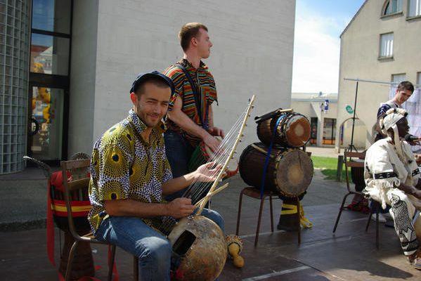 Kamalengoni en concert à Crépy-en-Valois