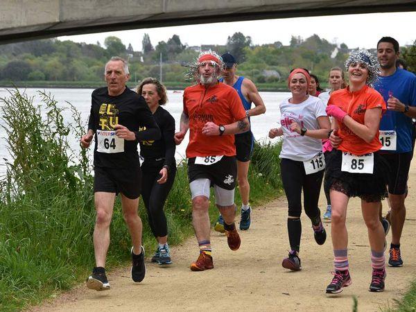Elle et Lui : le reportage photo de Penhars Infos  sur la course aujourd'hui à Quimper