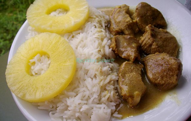 Veau aux épices, riz basmati et ananas