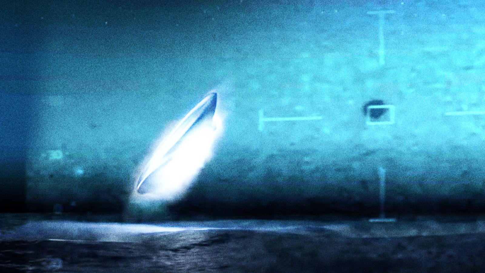 👽 Mysterious UFO Disappears Into Ocean in Newly Leaked Navy Video