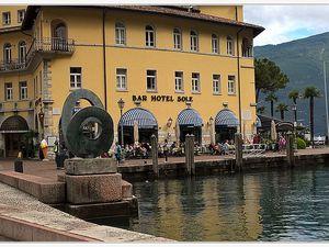 ESCAPADE SUR LES LACS ITALIENS POUR LOU ROUDOULET DE CHAMATTE DE SAINT ANDRE LES ALpES.