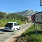 Polémique autour de la construction du parc éolien au pied de la montagne Sainte-Victoire - Le journal de 13h   TF1