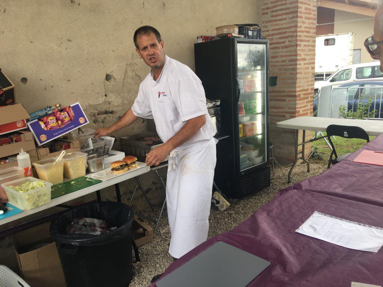 Jimmy - Country Pizza - Castelnau d'Estrétefonds - Tel. 05 61 35 18 49