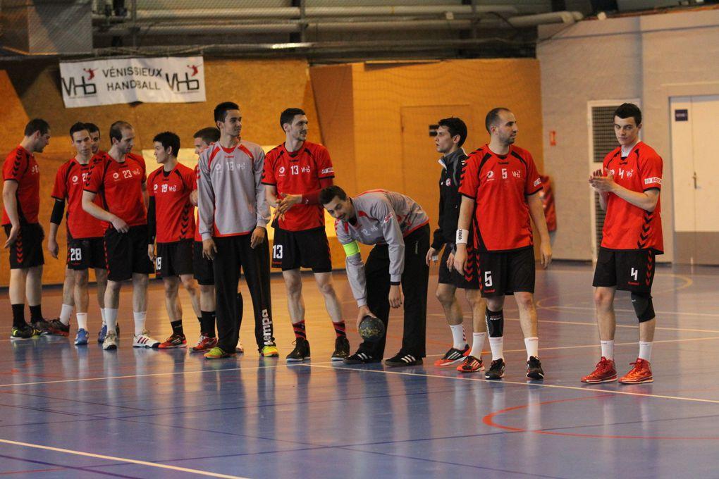 Vénissieux Handball termine sa saison à domicile par une nouvelle défaite