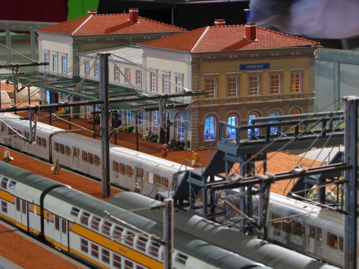 Trafic voyageurs en gare de Verrières.