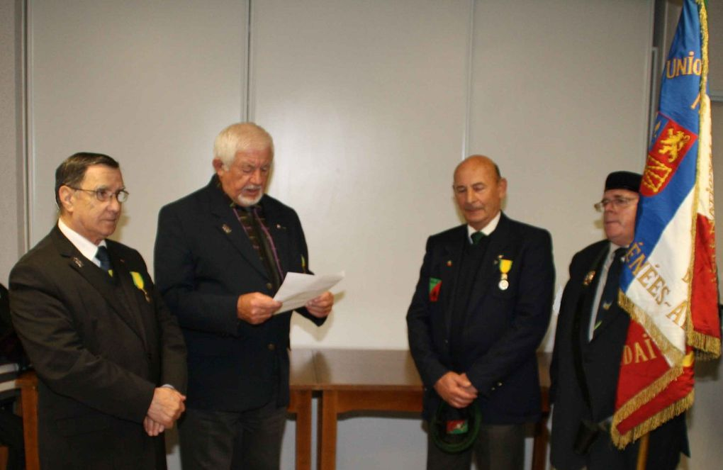 Cérémonie à Pau (150° anniversaire de CAMERON) et remise médaille militaire à Salvatore Giudice de la 1533° Section du Bassin de Lacq et Soule