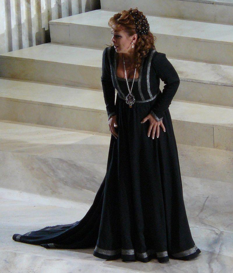 Inva Mula (Amelia Grimaldi)