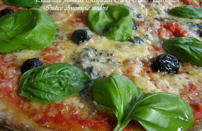 Pizza aux fromages. Roquefort Carles, parmesan, comté râpé, tomates, basilique Indice glycémique bas Cook expert de Magimix
