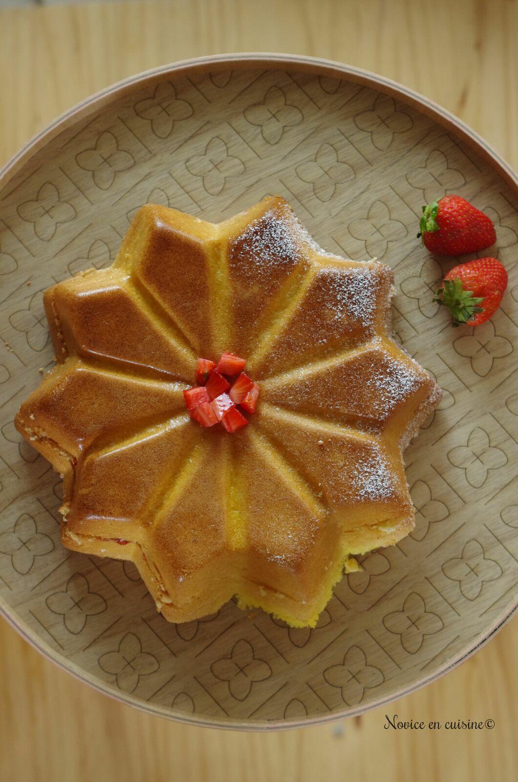 Gâteau de Savoie à la confiture de fraises