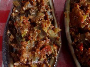 Aubergine farcie au mijoté de bœuf  à l'aubergine