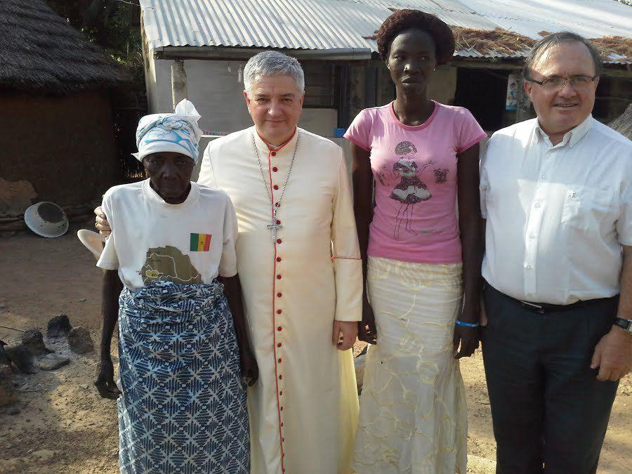 Visite de Mgr. Aillet à Kara : décembre 2015