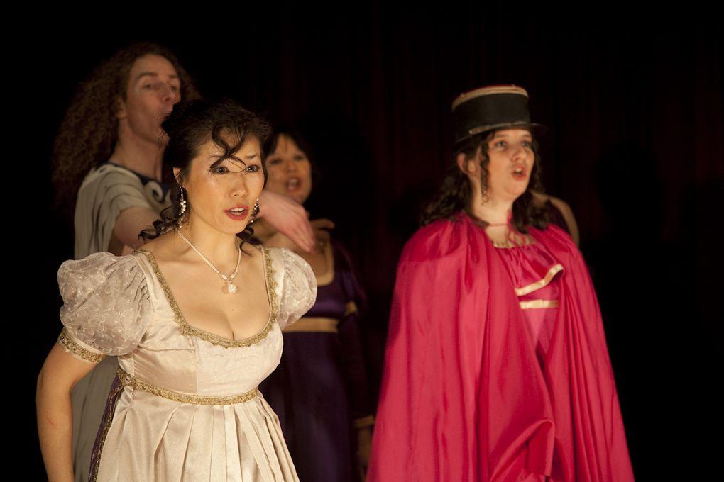 """Voici un extrait de l'album photo du spectacle """"La Belle Hélène"""" d'Offenbach donné en mars 2009."""