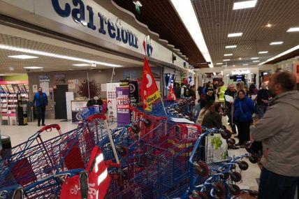 La Fédération CGT Commerces et services dénonce la complicité de Macron et Bompart