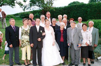 """PETIT JOURNAL 2008 """"quand deux Stéphanois se marient"""""""