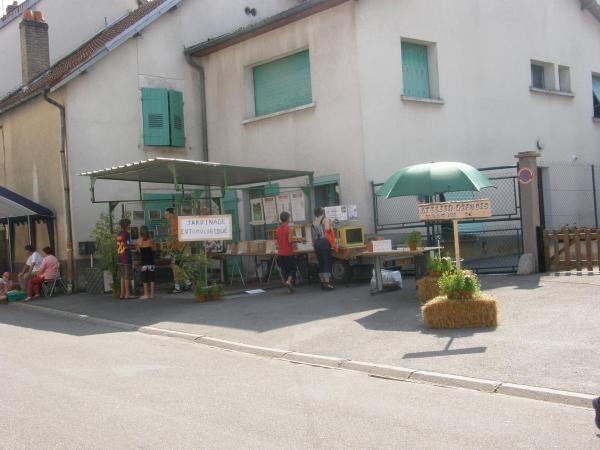Jardinage-entomologique exposait à la fête du miel d'Echenoz la Méline ce 31 août 2008, voici quelques images pour donner l'ambiance.
