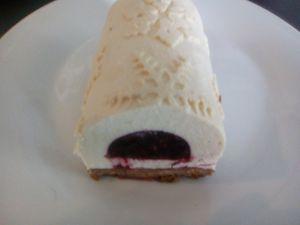 Bûche de Noël vanille fruits rouges