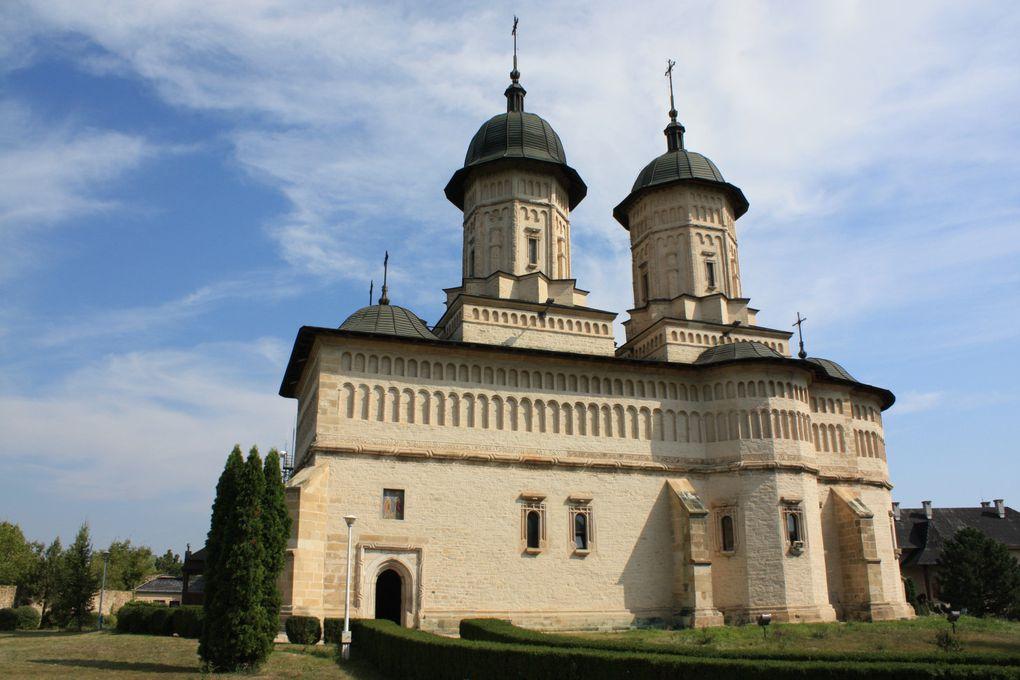 Le monastère fortifié «La Citadelle» de Jassy (Roumanie) Photos: M&E CRIVAT 2011