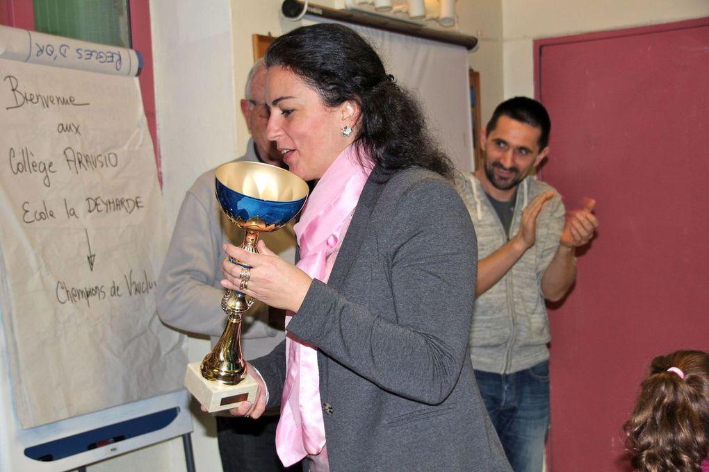 Diaporama : La remise de la Coupe à l'équipe d'Arausio championne de Vaucluse !