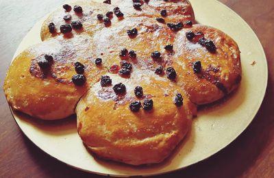 Brioche ruhm, raisins, vanille