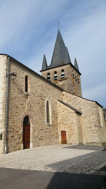 nous laissons au sud le clocher de Milhac (un aller retour non retenu) et nous voilà arrivés à Magrin notre deuxième clocher,