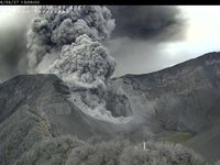 The eruption continued all day on 27/09/2016 at Turrialba - a click to enlarge - Photo respectively 5:21, 9:01 a.m., 1:56 p.m. / webcam RSN