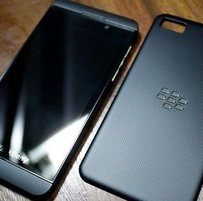 Leyendo... Blackberry 10.2 se muestra en vídeo...