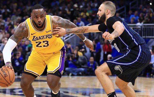 Sans briller, les Lakers prolongent leur série à Orlando