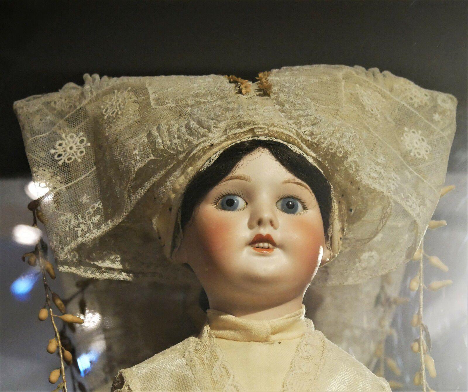 Les coiffes de l'île d'Oléron. Musée de Saint-Pierre. Les poupées en costume. Le ballon, la coiffette, la colinette, le ballet,,