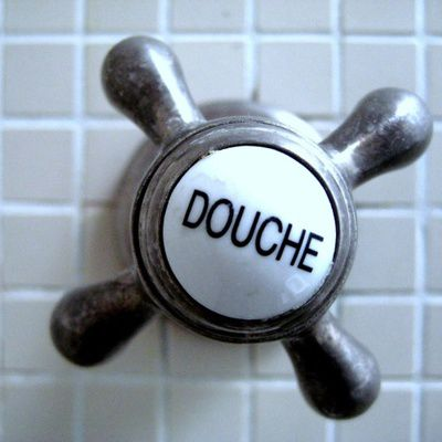 Comment installer un receveur de douche soi-même?