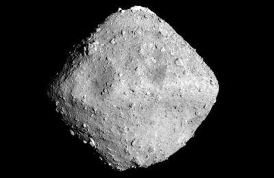 Ryugu c'est quoi comme astéroïde ? @CNES @haya2e_jaxa