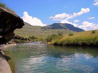 La fameuse petite rivière, dont la fraicheur était fort agréable sous ce soleil de plomb et l'absence de vent