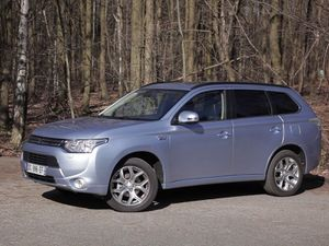 L'actu auto: Essai Mitsubishi Outlander PHEV Instyle 2014 !