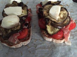 "Tartine du soir ""aubergines mozzarella"""