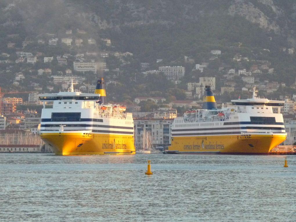 MEGA SMERALDA , appareillant de Toulon et le MEAGA ANDREA à quai  le 29 septembre 2018