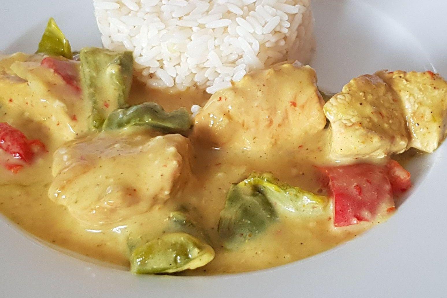 Sauté de dinde au curry et aux poivrons