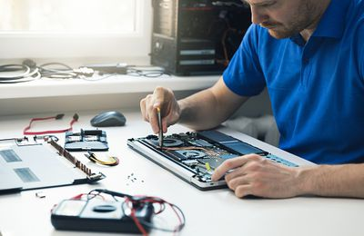 Five Things You Need to Consider When Choosing a Computer Repair Service Provider