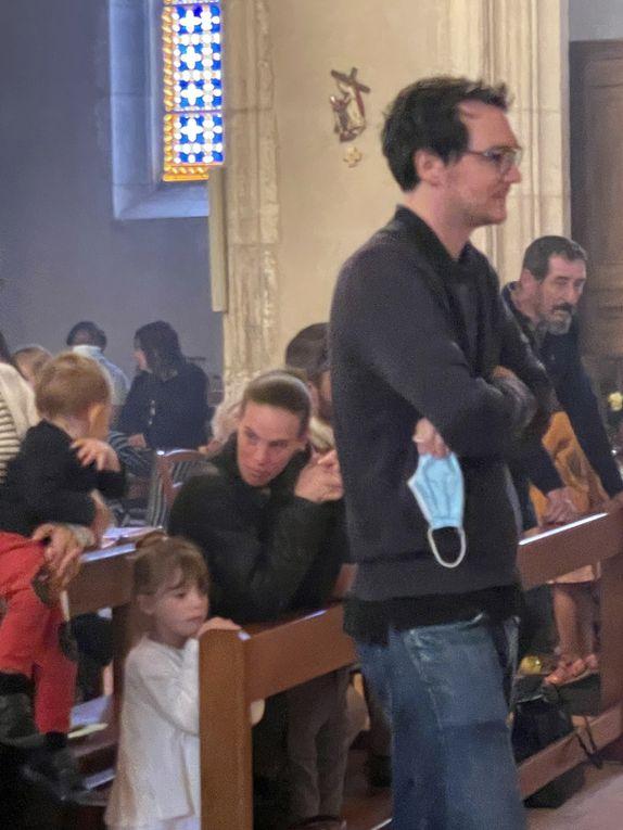 Messe du Dimanche 04/07/2021 - 1ère Communion de Sybille SALSON, Nolan TAYAR, d'Adrien DELOCHE et célébration du 27ème anniversaire d'ordination sacerdotale de notre Curé, l'Abbé Pierre FRIESS.