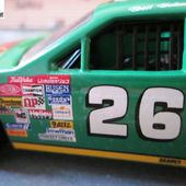 FORD THUNDERBIRD QUAKER STATE NASCAR 1990 BRETT BODINE 1/43 QUARTZO - car-collector.net