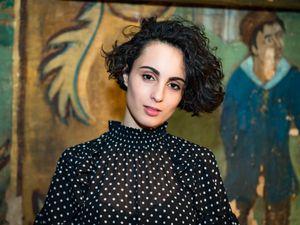 Barbara pravi, une auteure-compositrice interprète française engagée pour le droit des femmes et qui va représenter la France à l'eurovision en 2021